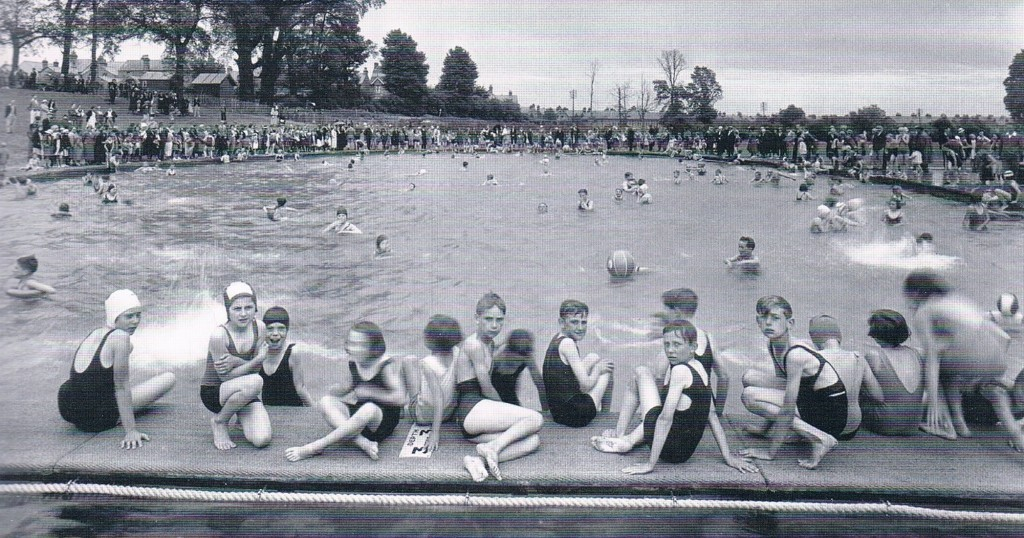 Montem Open Air Swimming Pool, Slough, in the 1930s. See more Slough photographs in our Slough, Maidenhead and Windsor Memories book.
